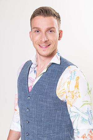 moderátor Juraj Bača
