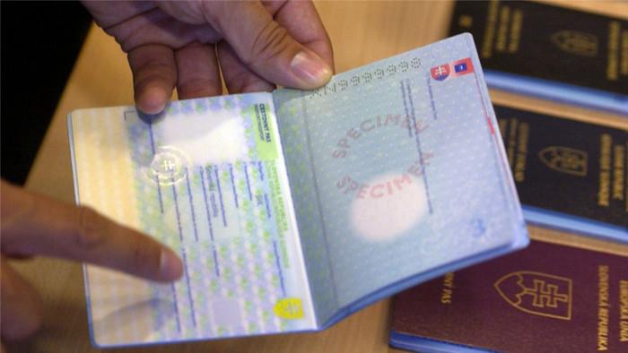 Zákon pripravil o slovenský pas 3738 ľudí
