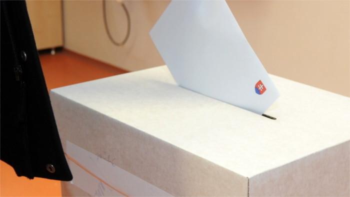 Выборы в августе выиграло бы движение «OĽаNO»