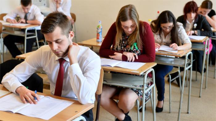 Maturita nebude ani tento rok, ako sa na to pozerajú študenti a učitelia?