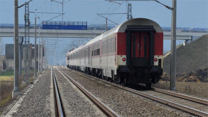 Liberalisierung des Eisenbahnverkehrs: Bequemer und billiger mit dem Zug fahren