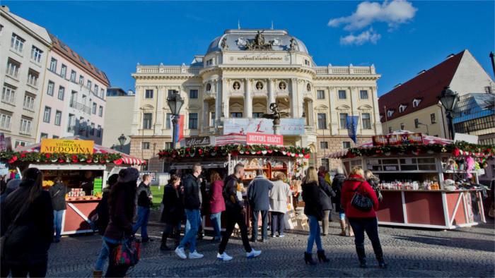 En el casco histórico de Bratislava se inaugurará el mercadillo navideño