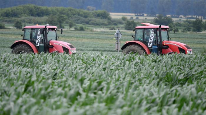 Farmári upozorňujú na svoje problémy