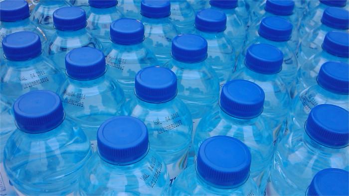 Pfand-Einführung für Plastikflaschen erfolgt wie geplant