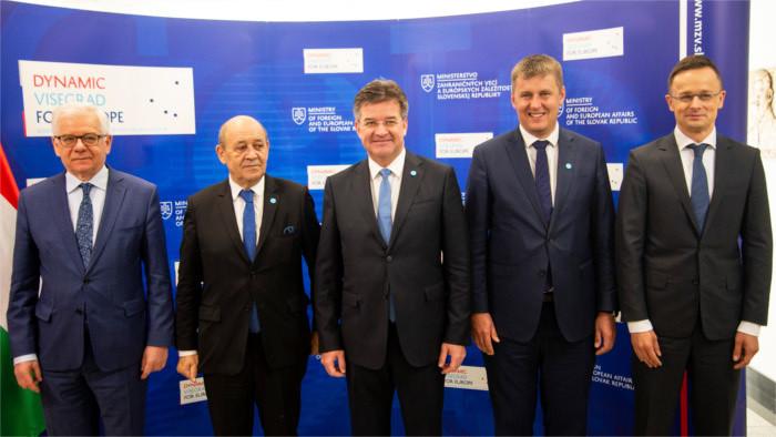 Réunion des ministres des Affaires étrangères du V4 et de la France