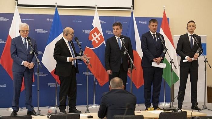 Šéfovia diplomacie V4 a Francúzska rokovali v Bratislave