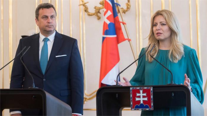 La nueva jefa de Estado se reúne con el presidente del Parlamento eslovaco