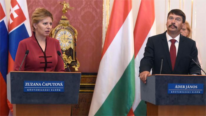 Čaputová se reúne en Budapest con el presidente húngaro