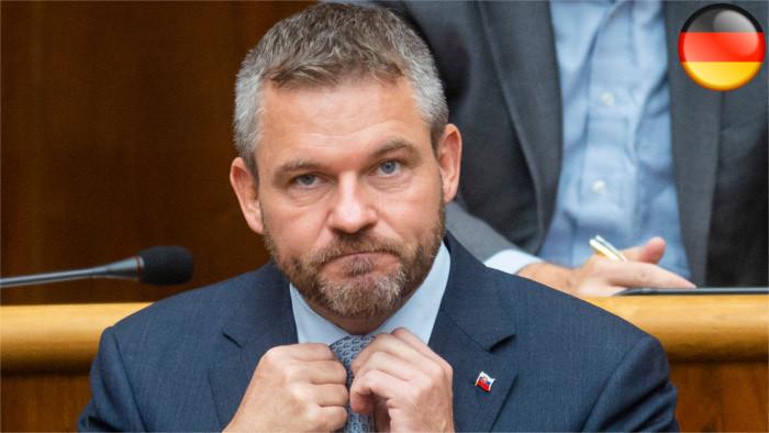 Premier bleibt im Amt