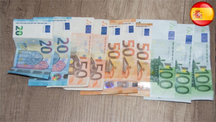 Las decisiones financieras de los eslovacos están influenciadas por los consejos de familiares y amigos