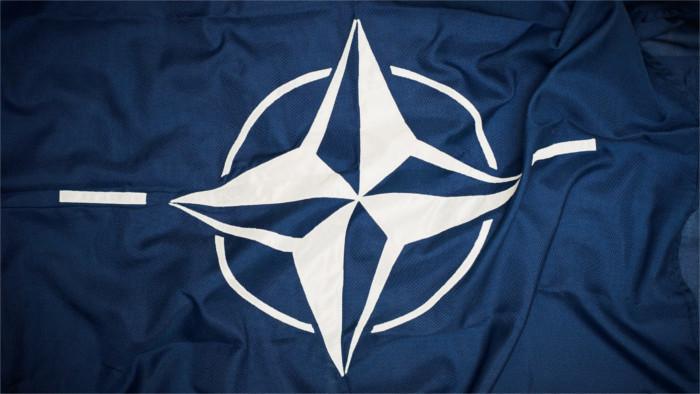 Začína sa summit NATO