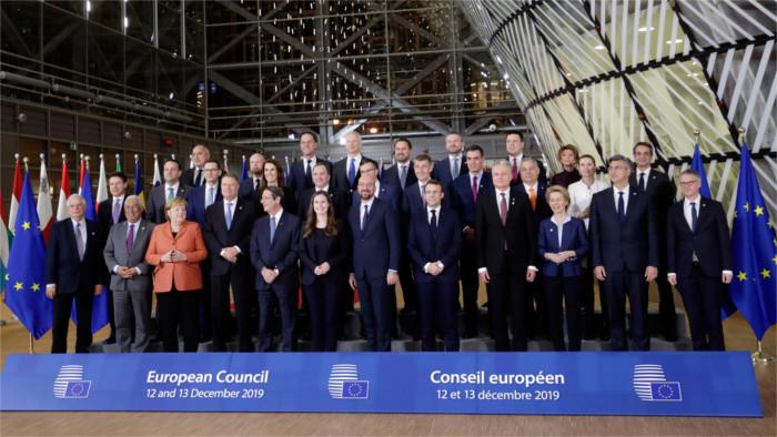 Премьер П. Пеллегрини: СР поддерживает углеводородный нейтралитет