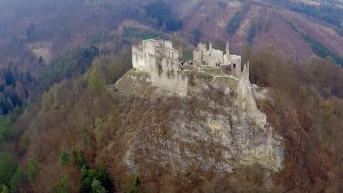 Kultúrne dedičstvo: Považský hrad