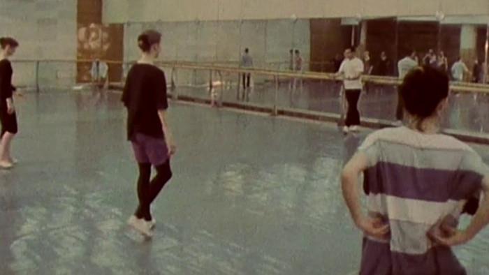 Tanec nemlčí