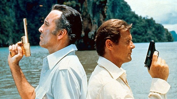 James Bond: Muž so zlatou zbraňou