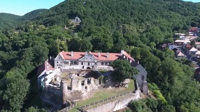 Kultúrne dedičstvo: Hrad Modrý kameň