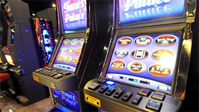 Hunderttausend Unterschriften gegen Glücksspiel in Bratislava