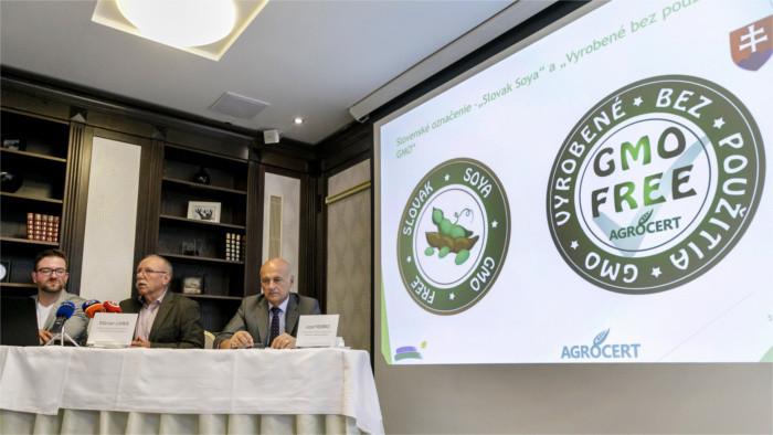 El Ministerio de Agricultura quiere prohibir los cultivos genéticamente modificados en Eslovaquia