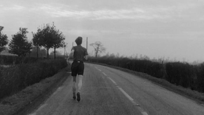 Osamelosť cezpoľného bežca