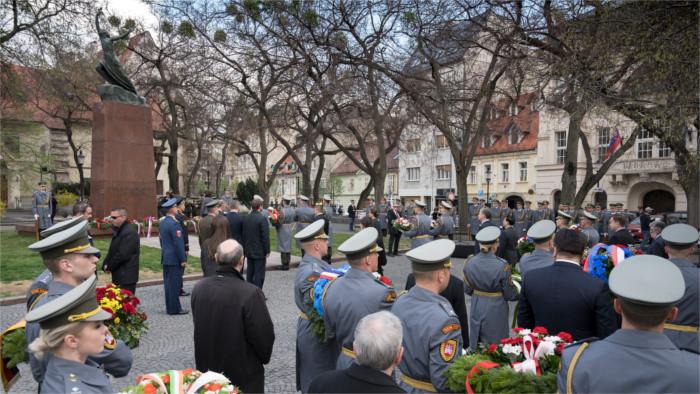 Políticos diversos conmemoran el sábado la liberación de Bratislava
