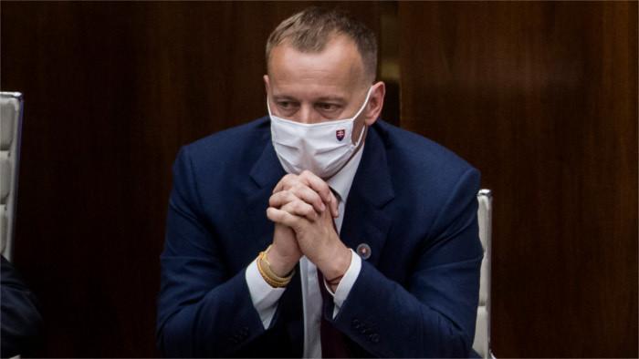 Коллар остается председателем парламента