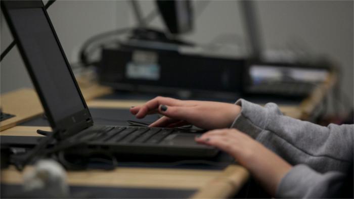 Stengl Akademie: Deutschkurse für IT-Experten diesmal Online