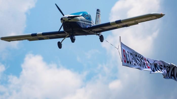 Let 13 lietadiel pre Štefánika. Poďte s RTVS do oblakov