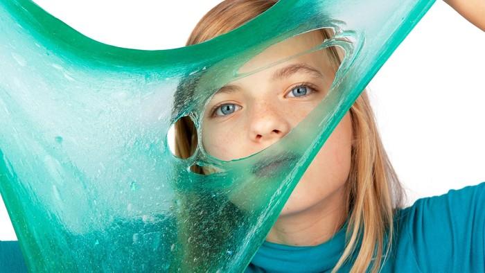 Zabavte deti doma: Ako vyrobiť jedlý papier či magnetický sliz?