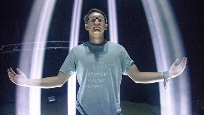 Osvetľovač: Koncerty si užívam napoly, skúmam na nich techniku