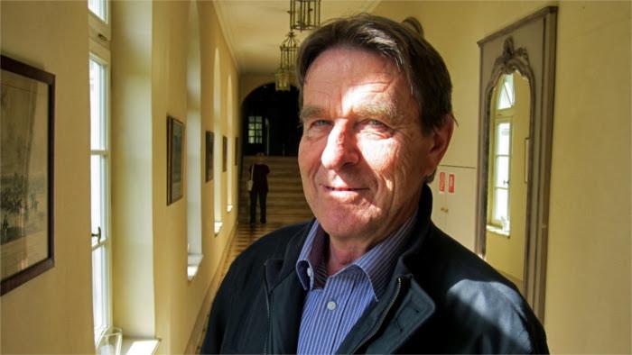 Miroslav Petrech, vinatero de corte del castillo de Belá