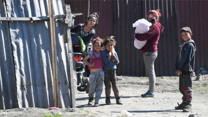 Health Activists monitor COVID-19 situation in Roma settlements