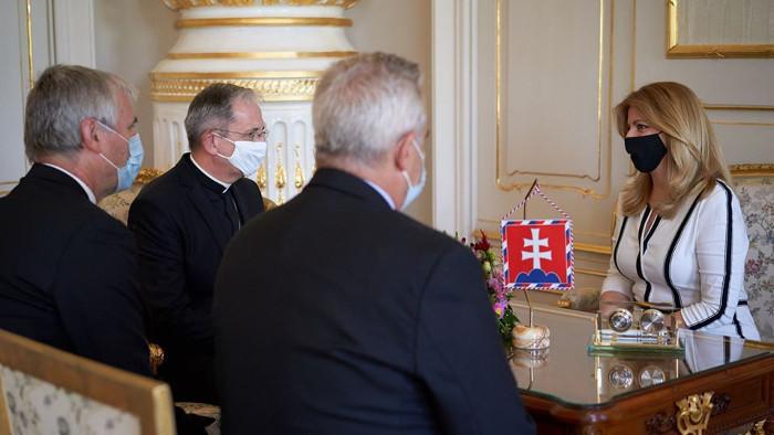 Čaputová valora positivamente el aporte de las comunidades religiosas durante la pandemia
