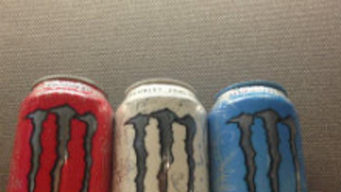 K veci: Energetické nápoje a nezdravé potraviny na školách