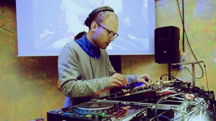 SIGNAll_FM - Záznam vysielania + tracklist (21.10.2012)