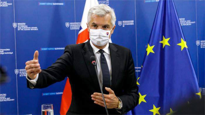 Глава МИД Корчок о межграничном сотрудничестве в борьбе с пандемией