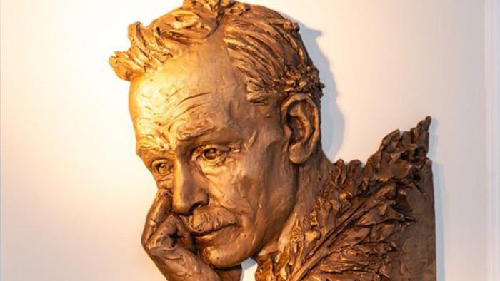 В Братиславе открыта памятная доска поэту Беларуси