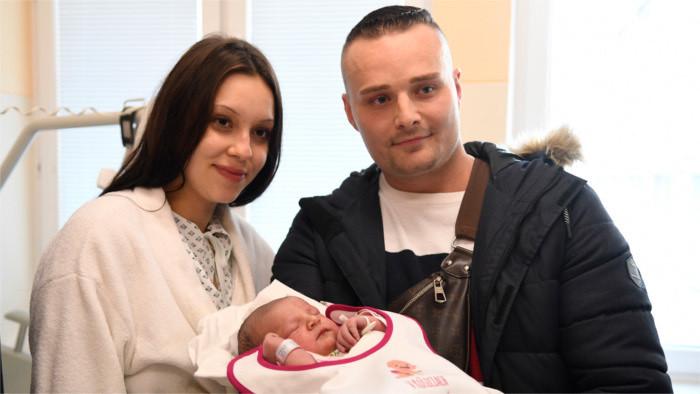 Aumenta el número de hombres de permiso por nacimiento de un hijo