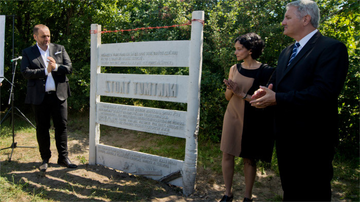 Denkmal der Opfer des Eisernen Vorhangs enthüllt