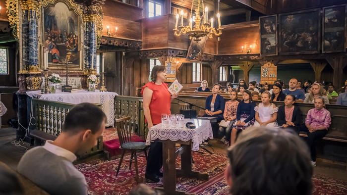 Čítanie v artikulárnom kostole v Hronseku