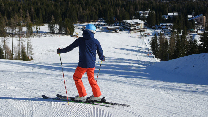 Transport Minister: Status quo is that ski resorts not closed