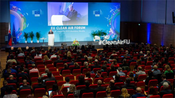 Forum international sur la qualité de l'air à Bratislava