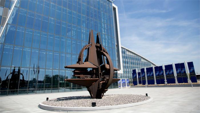 Президент СР: НАТО должно реагировать на действия по дестабилизации