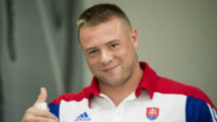 Kladivár Marcel Lomnický z Nitry trénuje na vlastnom