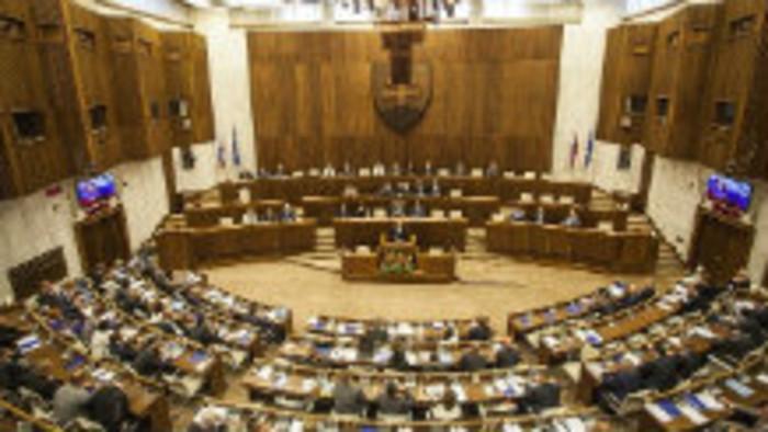K veci: K hlasovaniu  o zmrazení platov ústavných činiteľov