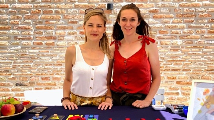 Čerstvé Ovocie_FM: Mamám (Soňa Klementisová a Zuzana Bannert Mikulová)