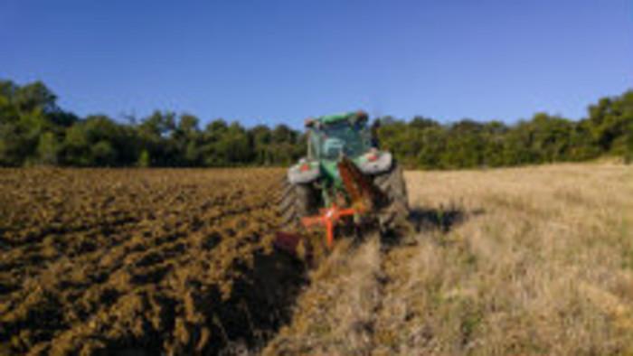 Klub farmárov: Poľnohospodári prišli o peniaze