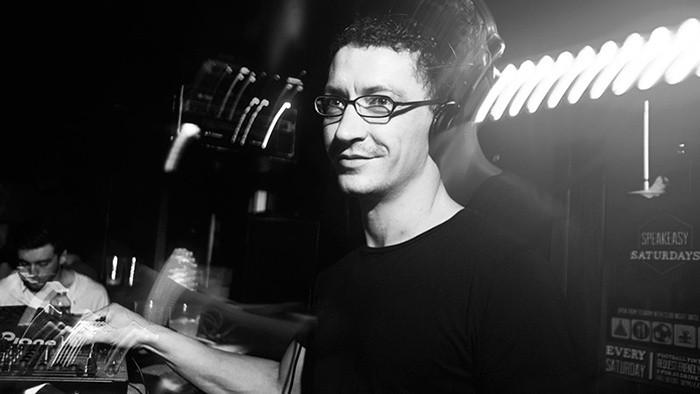 Leporelo_FM: Mike Dehnert aj Compilation Q