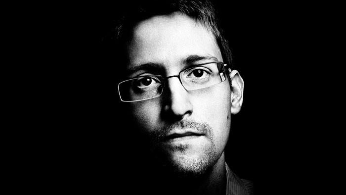 Chrobák v hlave_FM a Edward Snowden