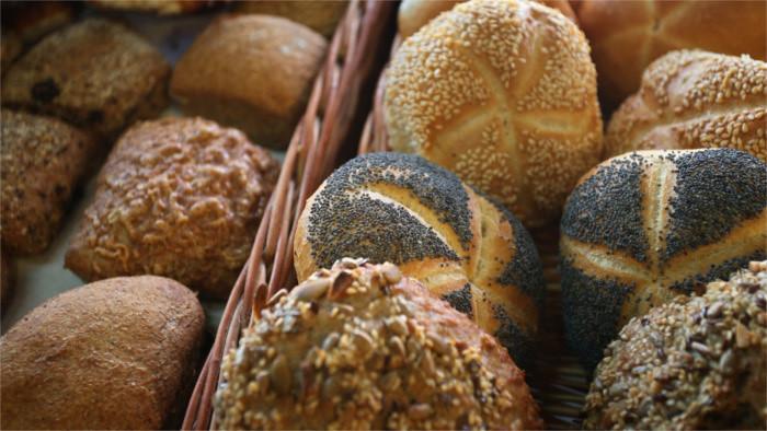 Chlieb a pečivo budú drahšie, dôvodov je viacero