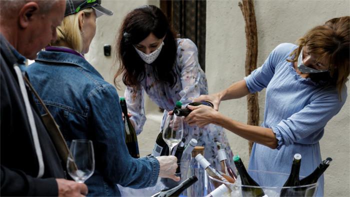 La pandemia de coronavirus ha afectado a los vinateros eslovacos